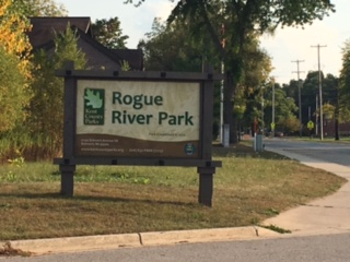 RogueRiverParkSign